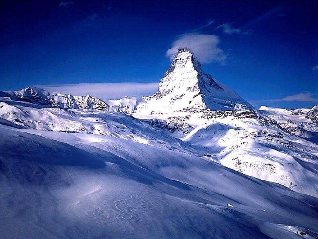 http://www.fidelou.com/wallpaper/img/hiver/fond_ecran_neige_02_1024x768.jpg